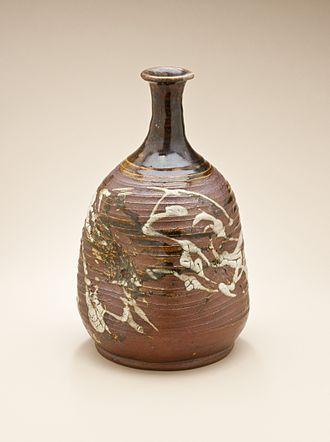 Aizuhongō ware - Aizuhongō ware sake bottle (tokkuri), Edo period, mid-19th century