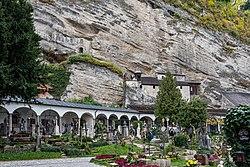 Salzburg Petersfriedhof mit Katakomben-4295.jpg