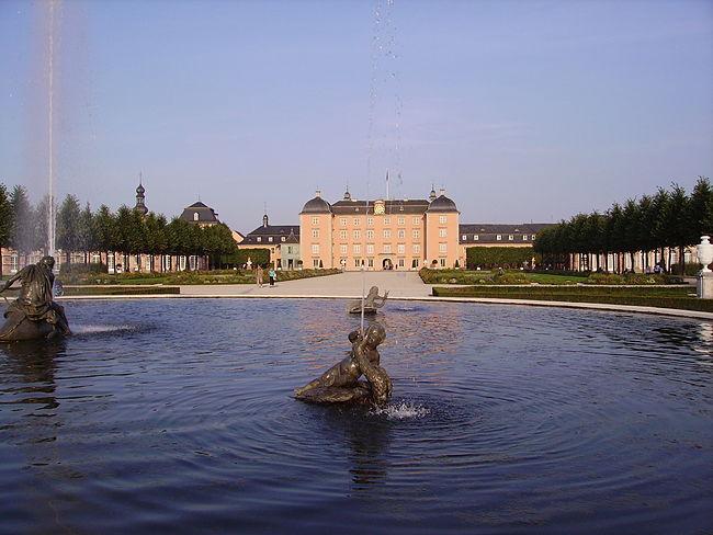 Schloss Schwetzingen 03.JPG