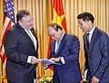Secretary Pompeo Participates in Working Breakfast With Vietnamese Prime Minister (43289804301).jpg