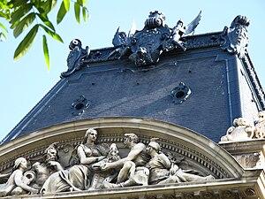 Crédit Lyonnais headquarters - Central escutcheon reinstalled in 2008