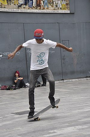 Nollie - Initial stage of a nollie. Alameda Central, Mexico City, 2015.