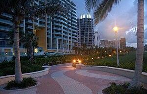 Lummus Park, Miami Beach - Image: Southbeachboardwalk 07