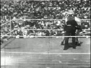 File:Squires vs Burns 1907.ogv