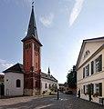 St. Andreas aus Klein-Winternheim mit altem Rathaus 2017.jpg
