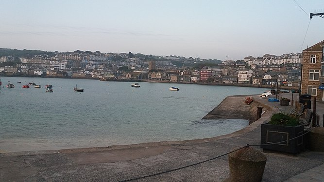 St Ives Harbour in early morning.jpg