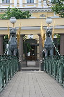 St Petersburg bankbridge detailed figures.jpg
