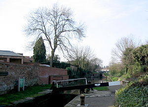 Stratford-upon-Avon Canal - A stretch of the canal in Stratford
