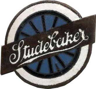 "Studebaker - Studebaker ""turning wheel"" badge on cars produced 1912–1934"
