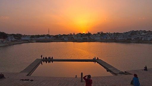 atardecer en Pushkar lago