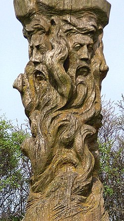 Svantevit-Statue (cropped).jpg