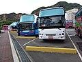 TW 台灣 Taiwan 新台北 New Taipei 萬里區 Wenli District 野柳 Yehliu outdoor carpark bus 港東路 August 2019 SSG 04.jpg