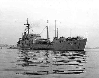 USS Scorpion (SSN-589) - Image: Tallahatchie County AVB 2 and USS Scorpion