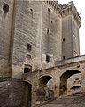 Tarascon-Château du Roi René-Escalier-20130617.jpg