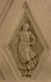 Teatralnaya porcelain sculpture 10.jpg