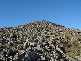 The 6m high and 30m diameter Carnguwch cairn - geograph.org.uk - 702600.jpg