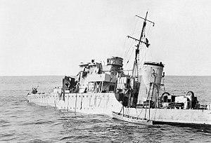 HMS Berkeley (L17) - Berkeley after having been bombed on 19. August 1942.