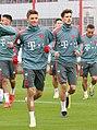 Thomas Mueller Leon Goretzka Training 2019-04-10 FC Bayern Muenchen-1.jpg