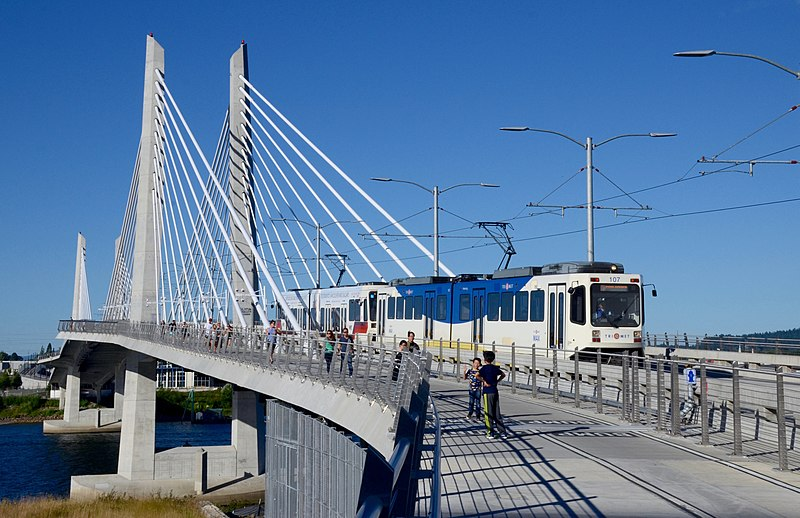 File:Tilikum Crossing from north sidewalk with MAX train 2016.jpg