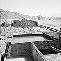 Timna in de Negevwoestijn het terrein van de kopermijnen met betonnen bakken vo, Bestanddeelnr 255-3668.jpg