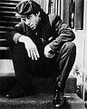 Tom Waits (1974–75 publicity photo by Richard Creamer).jpg