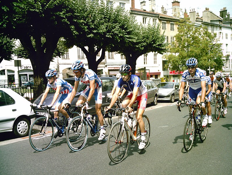 Départ fictif de la première étape du Tour de l'Ain 2009. (de gauche à droite en première ligne)    Theo Eltink (Skil-Shimano)  Roy Curvers (Skil-Shimano)  Geoffrey Soupe (équipe de France)  Branislau Samoilau (Quick-Step)