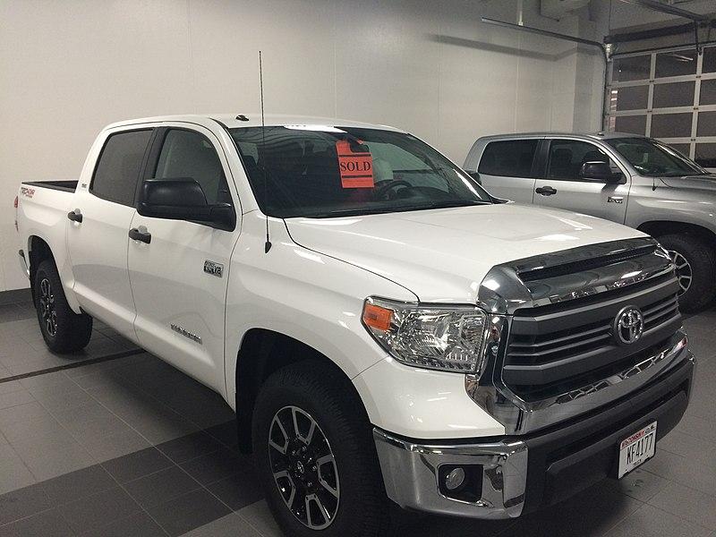 A 2014 Toyota Tundra in Vienna Dealer Sheehy INFINITI of
