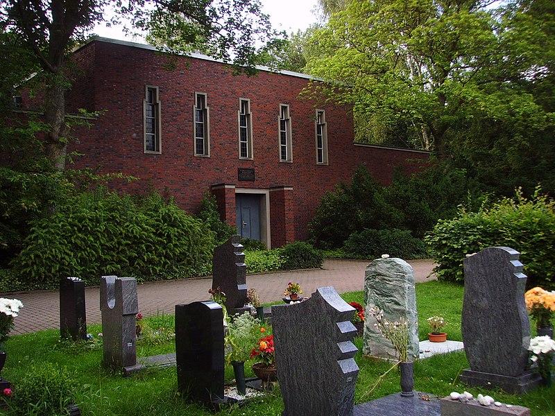 File:Trauerhalle auf dem jüdischen Friedhof.JPG