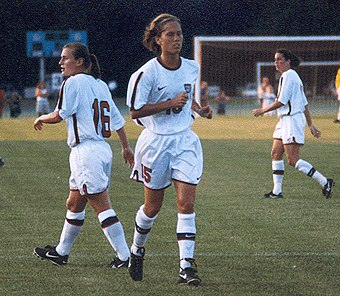 Venturini (center) along with Tiffeny Milbrett (left) in St. Louis 1998 Trisha343.jpg