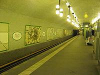 U2 Märkisches Museum platform.jpg