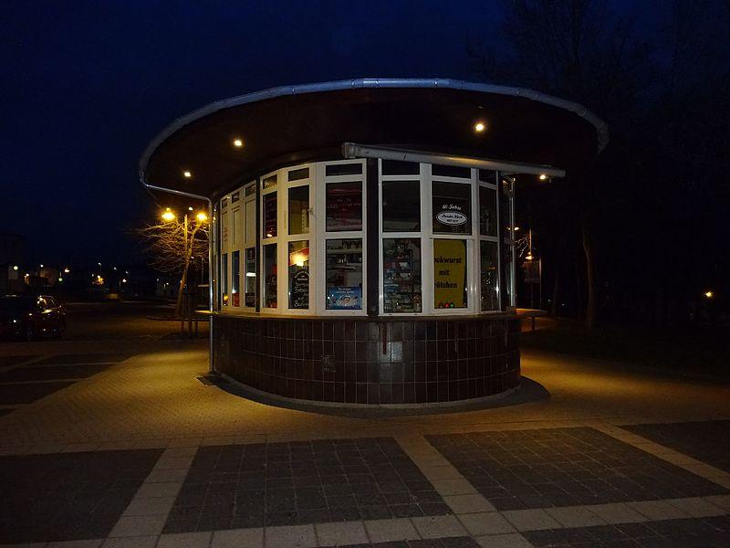File:UP 20170406 202601 Kiosk Bahnhof Sangerhausen.jpg