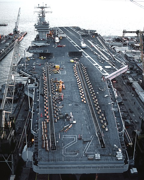480px USS Abraham Lincoln %28CVN 72%29 dry dock 1990 ALL ABOUT KAPAL INDUK