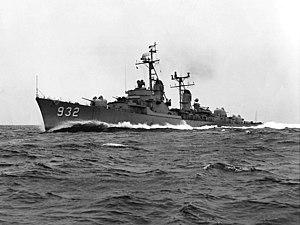 USS John Paul Jones (DD-932) underway