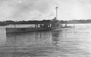 USS R-5 (SS-82) - Image: USS R 5 (SS 82)