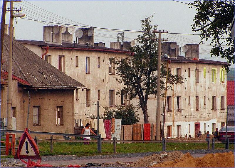 File:Ulica v Lemešanoch - panoramio.jpg