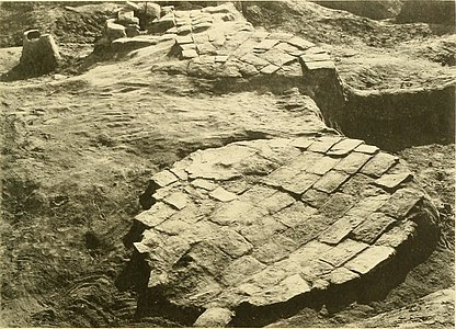 Ur excavations (1900) (14767185992).jpg
