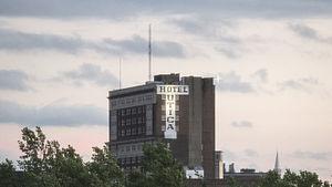 Hotel Utica - Hotel Utica as seen from the Utica Harbor
