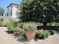 Villa corsini di mezzomonte, giardino all'italiana, terrazza inferiore 06.JPG