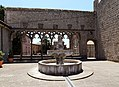Viterbo, palazzo e loggia dei papi, 08,0 fontana.jpg