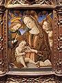 Vittore crivelli, madonna col bambino e due angeli, 1485-1500 ca. 02.JPG