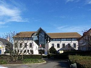 Voisins-le-Bretonneux - The town hall in Voisins-le-Bretonneux