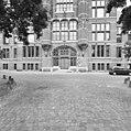 Voorgevel, detail ingangspartij - Leiden - 20353082 - RCE.jpg