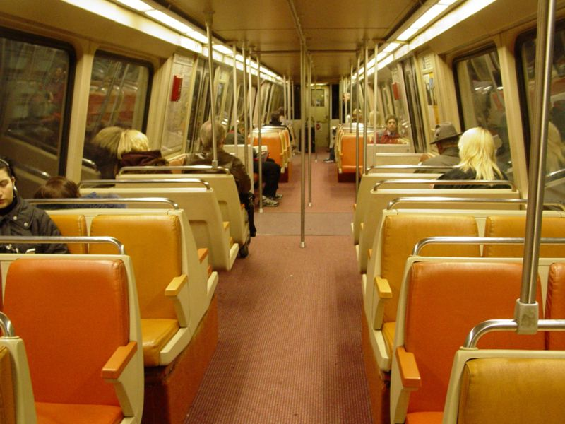 unsuck dc metro a ride in a 1000 series car. Black Bedroom Furniture Sets. Home Design Ideas