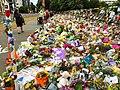 Wall-of-flowers-1.jpg