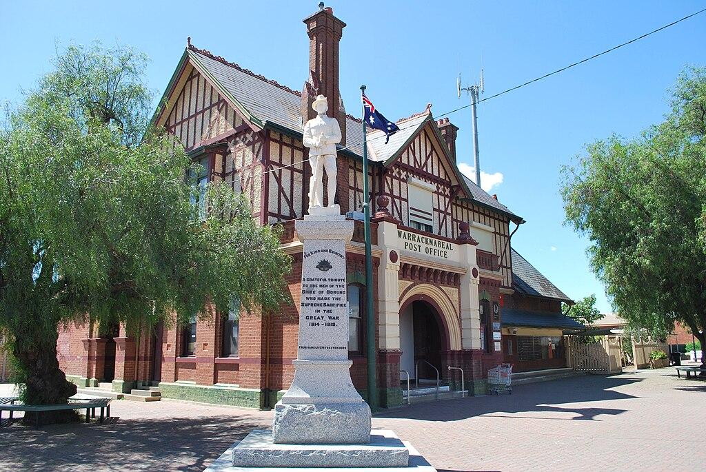 Warracknabeal War Memorial & Post Office