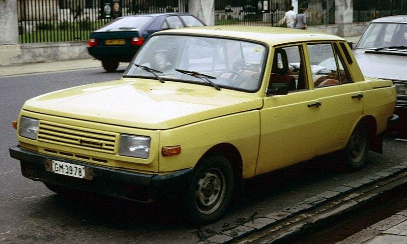 800px-Wartburg_353_by_Hobson%27s_Conduit_1988.jpg