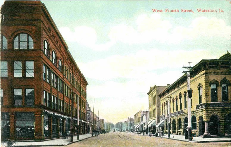 Waterloo-Iowa-West-Fourth-Street-1910-postcard.jpeg