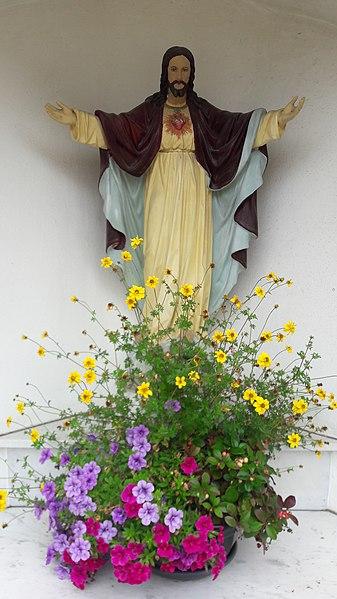 Weekapell zu Bartreng mat Häerz-Jesu-Statu