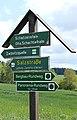 Wegweiser an der S 270 bei Zwönitz in Sachsen 2H1A9025WI.jpg