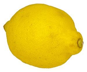 English: A whole lemon